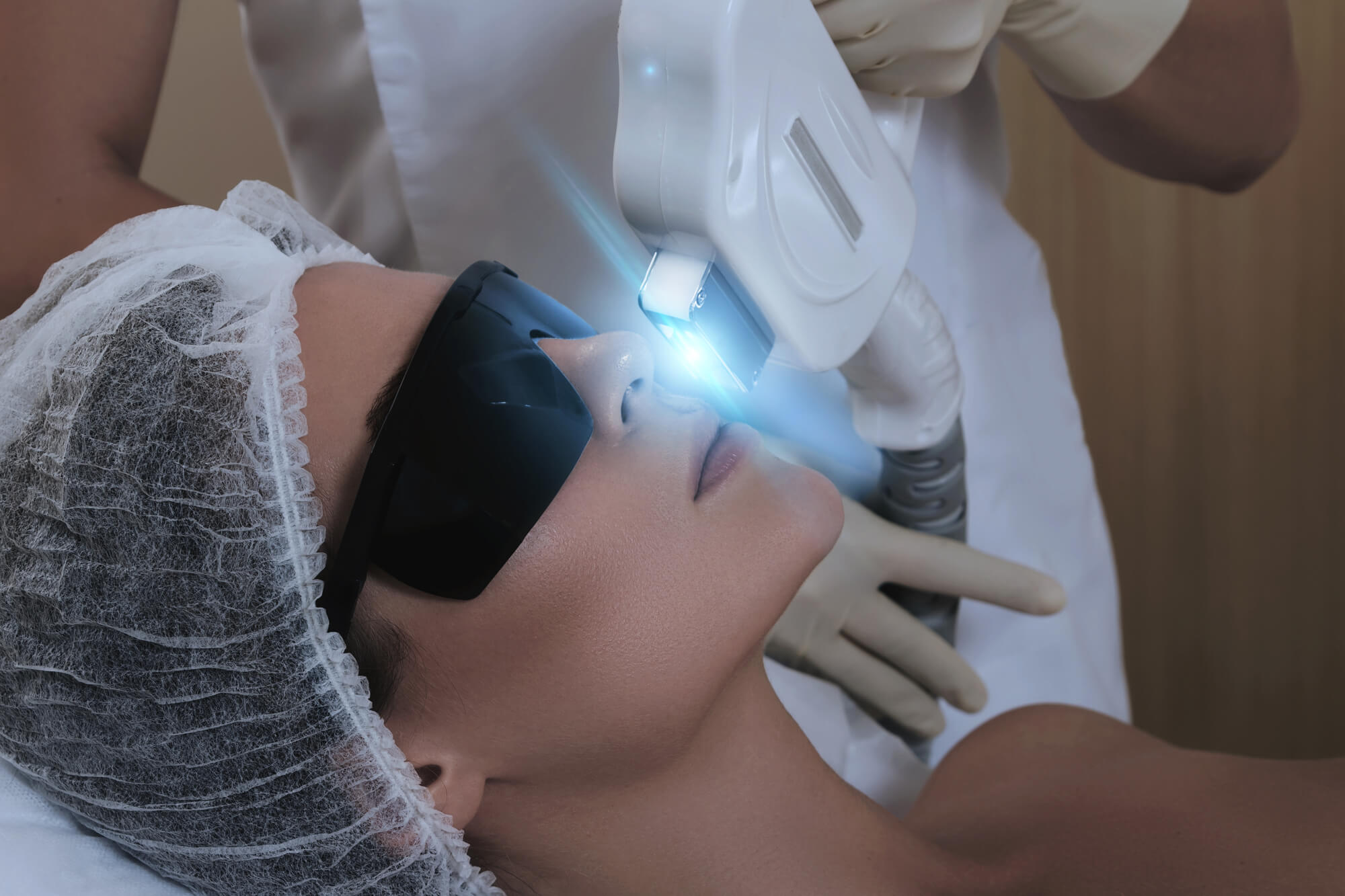 What are the Main Differences Between IPL and Laser Hair Removal